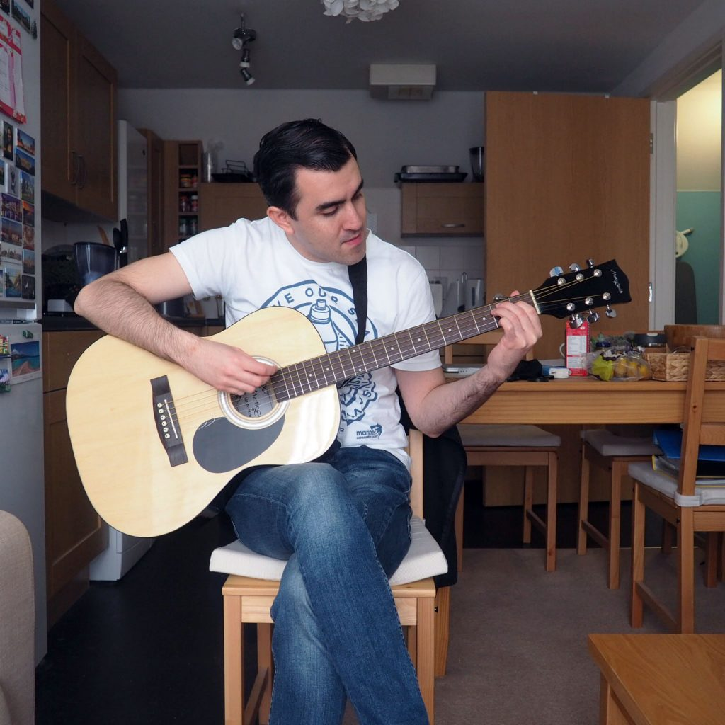 A holiday of self-isolation - learning to play guitar